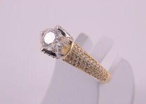 ЗЛАТНИ БИЖУТА Годежни Пръстени Годежен пръстен със странични камъни