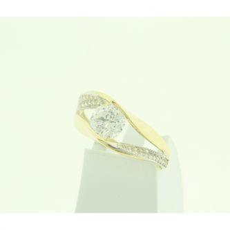 Златен годежен пръстен с циркони