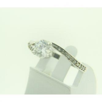 Бяло злато годежен пръстен