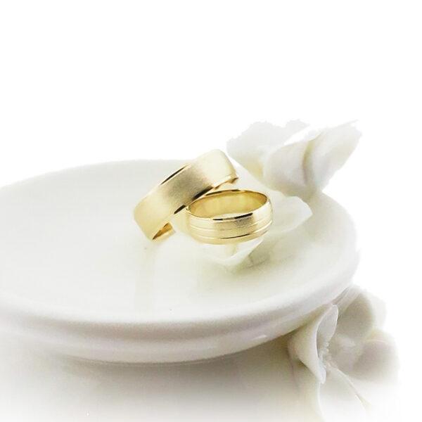 Венчални халки от жълто злато
