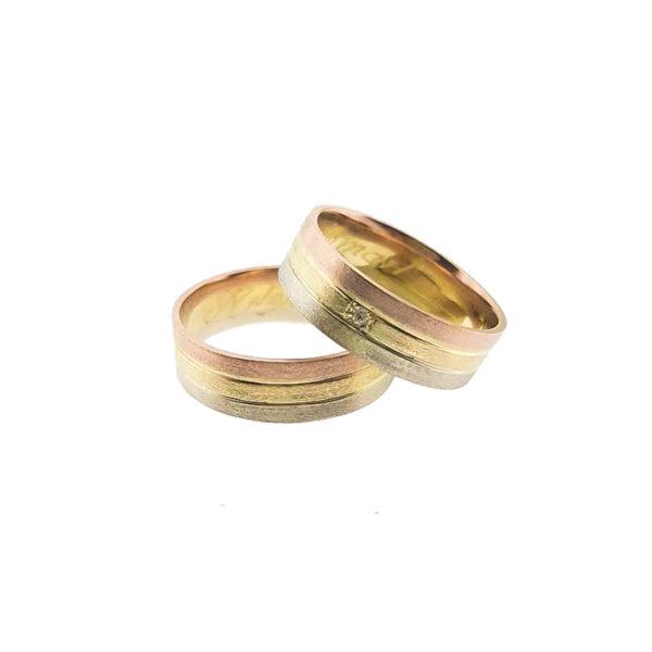 Венчални халки от жълто, бяло и розово злато
